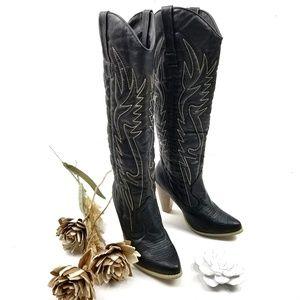 💝🌷 Rue21 - Size 7 / 8m Black 4inch heel Boots